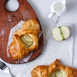 Tiramisu Bakery - Apple Danish