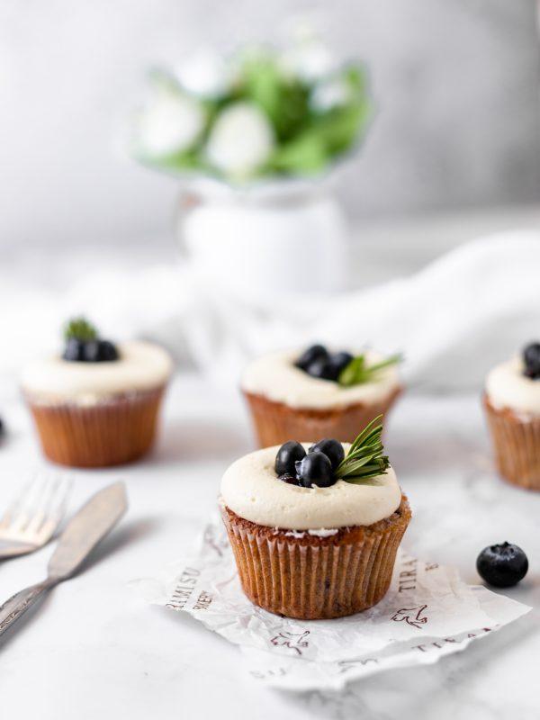 Tiramisu Bakery - Blueberry White Chocolate Cupcake