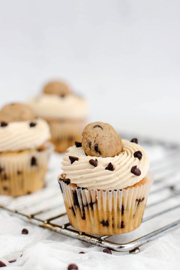 Tiramisu Bakery - Chocolate Chip Cupcakes scaled