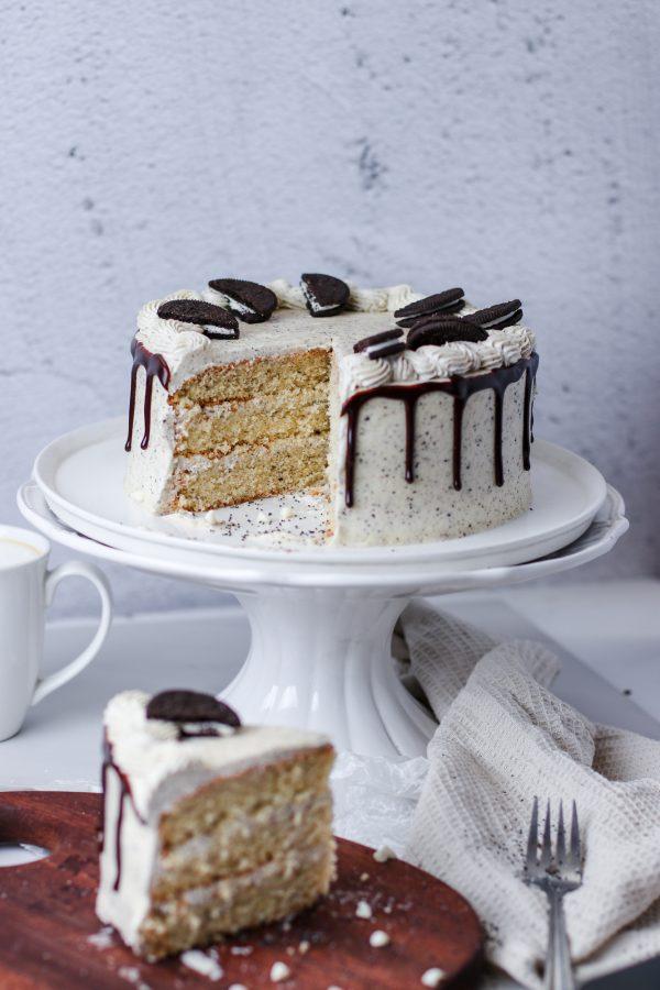Tiramisu Bakery - Cookies and Cream Cake