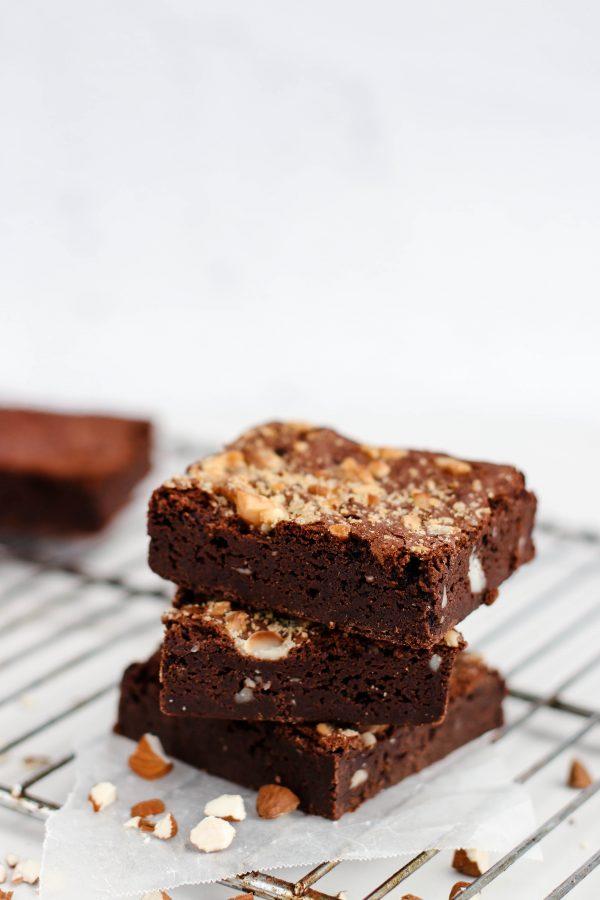 Tiramisu Bakery - Hazelnut Brownies scaled