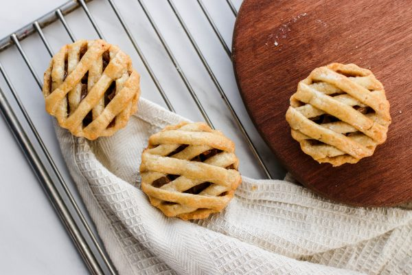 Tiramisu Bakery - Mini Apple Pies scaled
