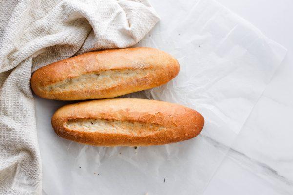 Tiramisu Bakery - Mini Brown Baguettes scaled