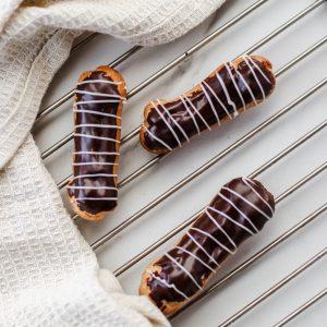 Tiramisu Bakery - Mini Eclairs
