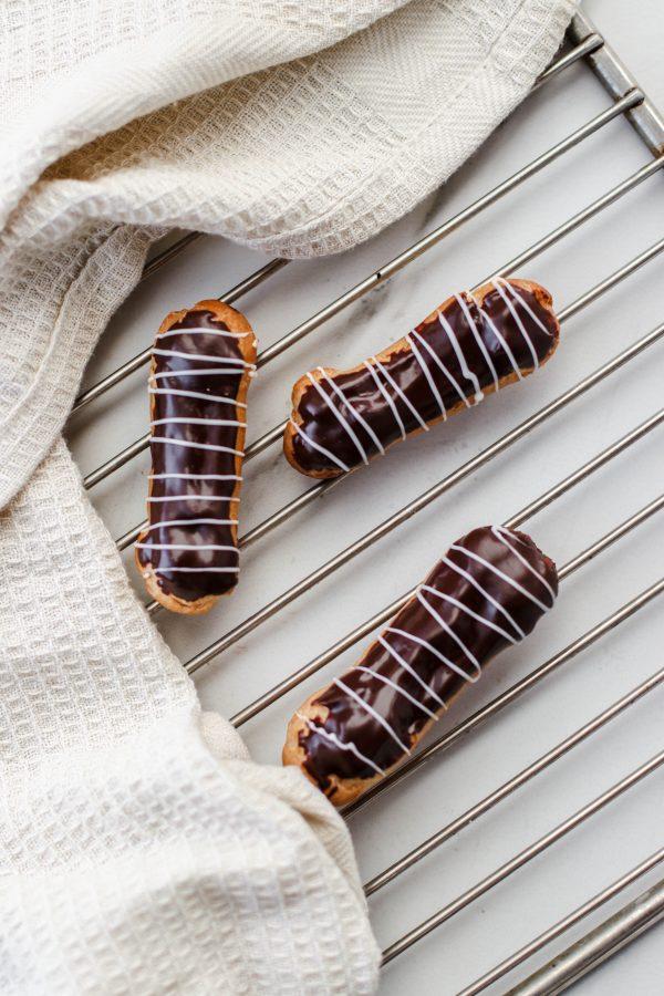 Tiramisu Bakery - Mini Eclairs scaled