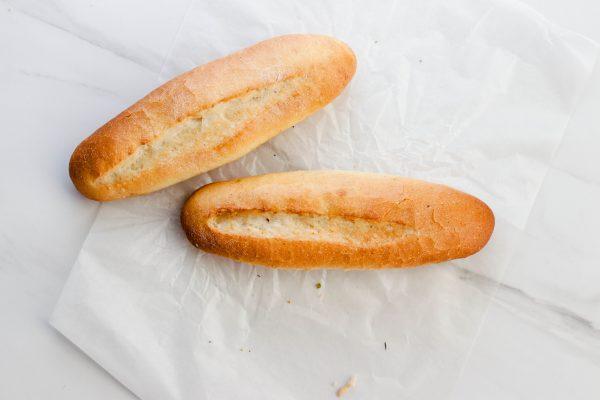 Tiramisu Bakery - Mini White Baguettes scaled