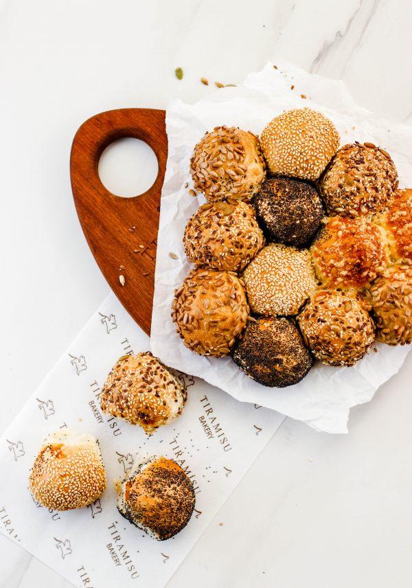 Tiramisu Bakery - Party Wheel Bread scaled