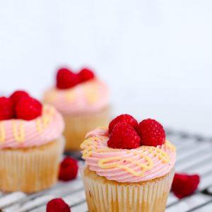 Tiramisu Bakery - Raspberry Cupcakes