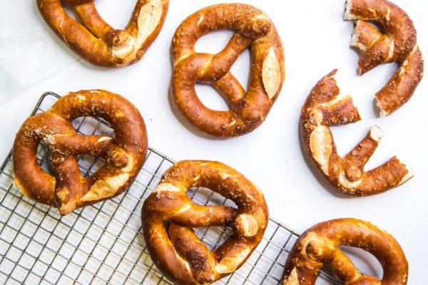 Tiramisu Bakery - Regular Pretzels