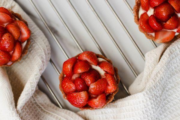 Tiramisu Bakery - Strawberry tarts 4 pieces scaled