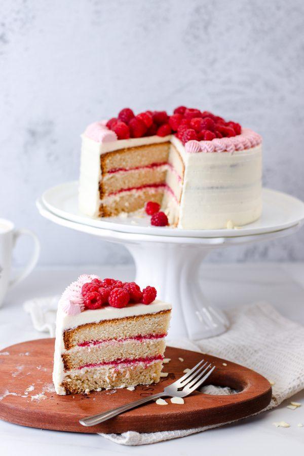 Tiramisu Bakery - Vanilla Raspberry Cake