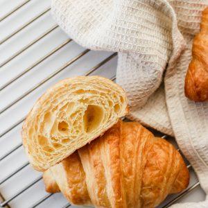 Tiramisu Bakery - plain croissants